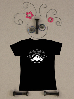 GRUYERIENNE-noir-t-shirt
